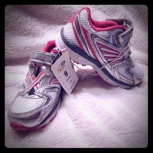 Toddler Athletic tennis shoes sneakers size 9